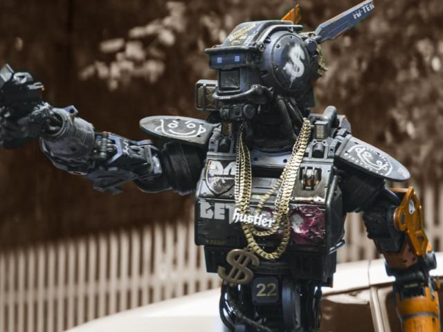 робот по имени чаппи, рецензия
